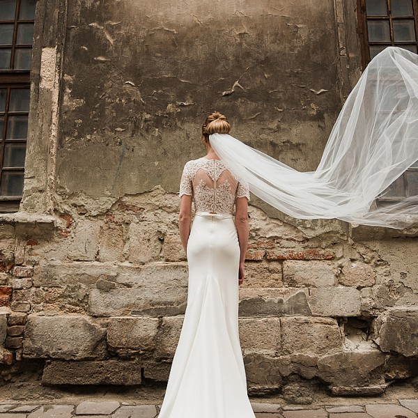 Bride in a ruin